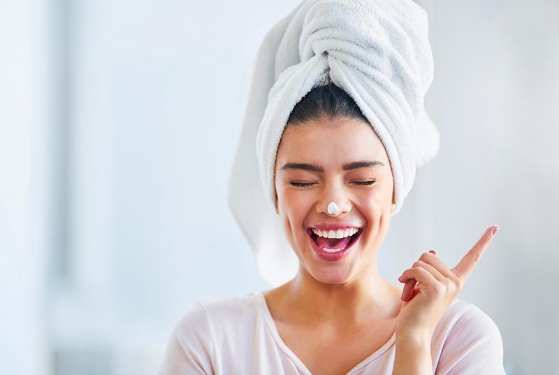 7 cuidados da pele que não deve esquecer no período pós-festas